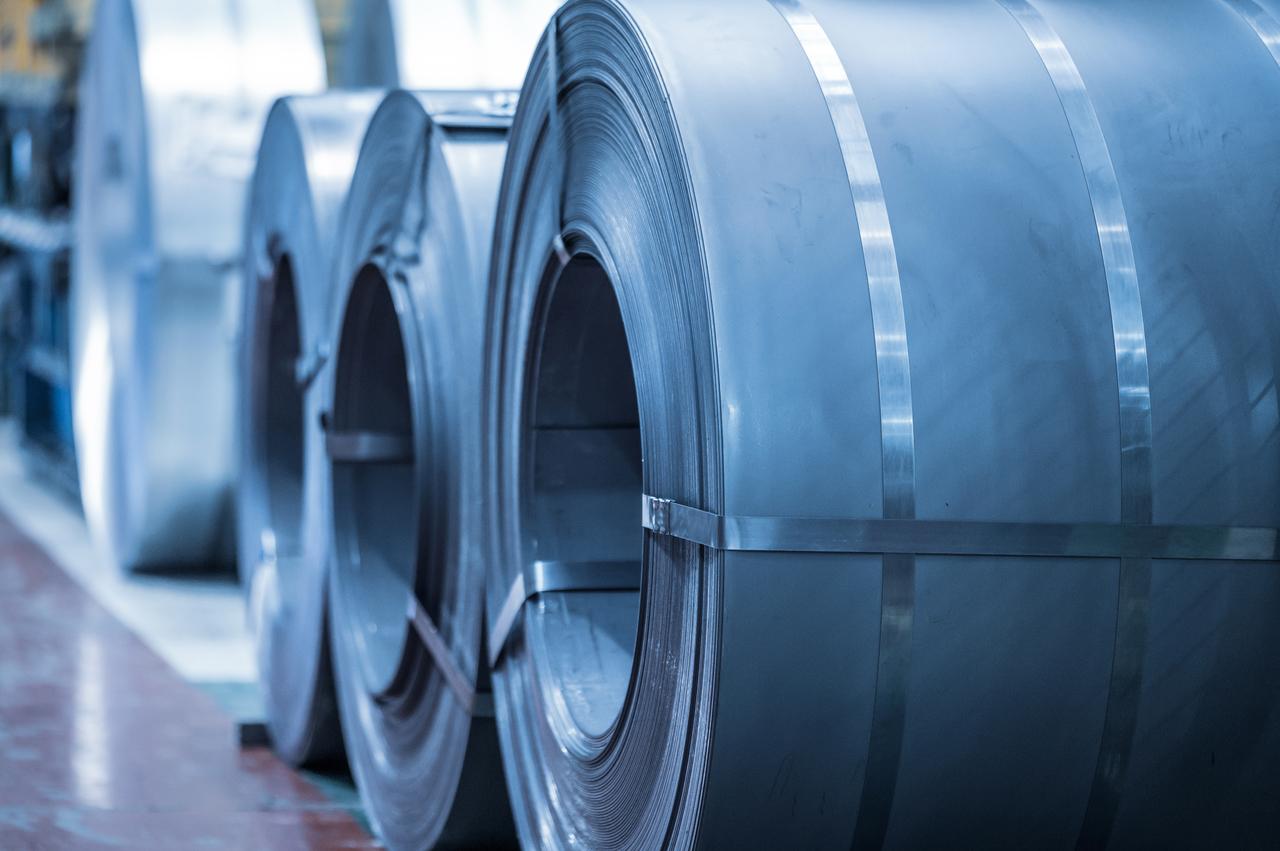 Rolls of regular steel plates